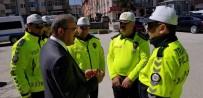 TRAFİK TESCİL - Vali, Trafik Ekiplerinin Yeni Üniformalarını İnceledi