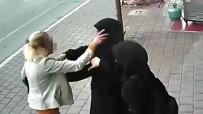 AHMET DEMİR - Adana'da Tesettürlü Kadınlara Çirkin Saldırı