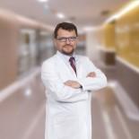 TEDAVİ SÜRECİ - Op. Dr. Özkul Açıklaması 'Kıl Dönmesi Modern Tedavi Yöntemlerinde Hastanede Yatmaya Ve Pansumana Gerek Yok'