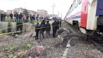Diyarbakır'da Trenin Çarptığı Genç Yaralandı