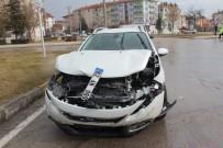 ULUKENT - Elazığ'da Trafik Kazası Açıklaması 3 Yaralı