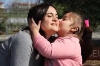 İki Buçuk Yıllık Eğitimle 7 Yaşında Konuşmaya Başladı, Ailesini Sevince Boğdu