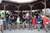 NEVZAT DOĞAN - İzmit'te 9 Yılda 60 Bin Öğrenciye Bisiklet Eğitimi