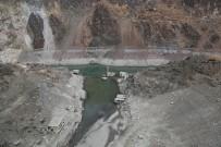 Artvin'de Yağışların Az Olması İle Baraj Suları Çekildi Asırlık Köy Ortaya Çıktı