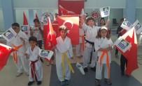 Foça'lı Minik Karateciler Kuşak Taktı