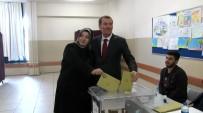 AK Parti Zeytinburnu Belediye Başkan Adayı Ömer Arısoy,Oyunu Kullandı