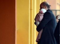 BILAL ERDOĞAN - Bilal Erdoğan Oy Kullanmaya Eşi Ve Çocuğuyla Geldi