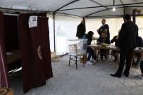 Deprem Bölgesinde Oylar Çadırda Kullanılmaya Başlandı