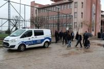 Diyarbakır'da Muhtar Adayları Arasında Kavga Açıklaması 2 Yaralı