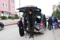 GUINNESS REKORLAR KITABı - Dünyanın 'En Uzun Genç Kızı' Oyunu Kullandı
