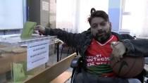 Engelli Sporcular Basketbol Toplarıyla Sandık Başına Gitti