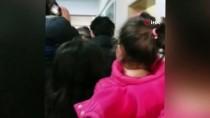 SELVİ KILIÇDAROĞLU - Kılıçdaroğlu ' Ada Bebekle ' Fotoğraf Çektirdi