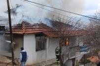 ÇAMLıCA - Burdur'da Ev Yangını