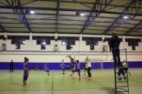 Cide'de Voleybol Turnuvası Düzenlendi
