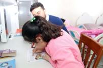 Engelli Meryem, Evde Aldığı Eğitimle Geleceğe Hazırlanıyor