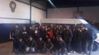 EMNİYET AMİRLİĞİ - 15 kişilik minibüsten 39 göçmen çıktı