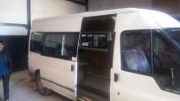 EMNİYET AMİRLİĞİ - 15 Kişilik Minibüsten 39 Kaçak Göçmen Çıktı