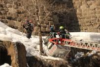Bitlis Kalesi Kardan Temizleniyor