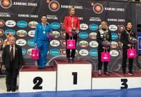 BÜ Öğrencisi Buse Tosun Dan Kolov'da Şampiyon Oldu
