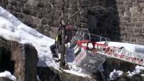 Dağcılar Kalede Kar Temizliği Yaptı