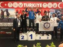 DÜ Muay-Thai Şampiyonasında Türkiye İkincisi Oldu
