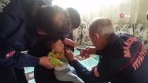 Parmağı Oyuncak Tekerleğe Sıkışan Çocuğun Yardımına İtfaiye Yetişti