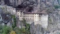Sümela Manastırı'nda 3,5 Yıldır Süren Restorasyon Çalışmaları Kapsamında 4 Bin Ton Kaya Temizliği Yapıldı