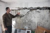TOPRAK KAYMASI - Toprak Kayması Sonucu 7 Evde Hasar Oluştu