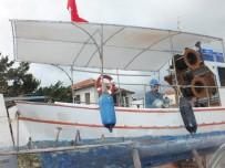 KIŞ BAKIMI - Tur Tekneleri Turizm Sezonuna Hazırlanıyor