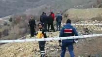 SOLAKLAR - Uçuruma Yuvarlanan Otomobildeki 2 Kişi Hayatını Kaybetti
