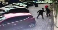 ARAFAT - Ümraniye'de Sokak Ortasında Silahlı Saldırı Kamerada