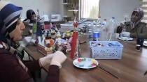 OYUNCAK BEBEK - Atık Malzemeler Kadınların Ellerinde Sanata Dönüşüyor