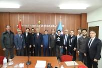 Başsoy'dan Belediye Meclis Üyelerine Plaket