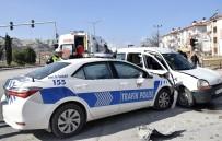 KIRMIZI IŞIK - Burdur'da Trafik Polisleri Kaza Yaptı Açıklaması 4 Yaralı