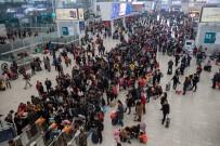 MİKE PENCE - Çin'de 'Kara Listeye' Alınan Milyonlara Seyahat Yasağı