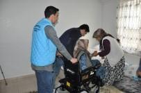 Engellilere Akülü Ve Tekerlekli Sandalye Dağıtıldı