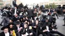 EZİLME TEHLİKESİ - İsrail Polisinden Ultra-Ortodoks Yahudilerin Gösterisine Müdahale