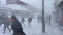 Karlıova'da Kar Ve Tipi Etkili Oldu, Okullar Tatil Edildi
