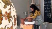 ÇÖMLEKÇI - Tarihi Sokağın Kadın Çark Torna Sanatçısı