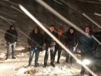 Trabzon'da Karlı Yaylada Mahsur Kalan 3 Yaylacı Kurtarıldı