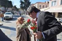 Foça'da 8 Mart Dünya Kadınlar Günü'ne Coşkulu Kutlama