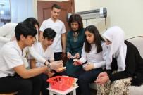 İskenderun'da Gönüllü Sağlık Elçileri Yüreklere Dokunuyor