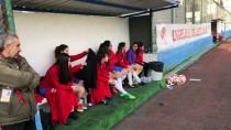 Kadın Futbol Antrenörünün Hedefi Türkiye'yi Temsil Etmek