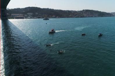 Kadın komandolar İstanbul Boğazı'na halatla indi