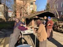 Kadınlar Yaptıkları Pidelerin Gelirini Camiye Bağışladı