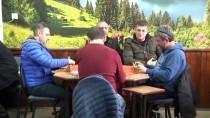 AİLE İÇİ ŞİDDET - Kahvehaneleri Gezerek Kadına Şiddetle Mücadele Ediyorlar
