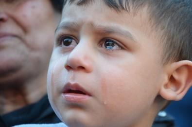 Küçük Emir'in gözyaşları yürek dağladı