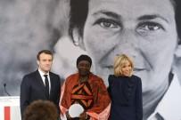 FRANSA CUMHURBAŞKANI - Macron, Kamerunlu Kadın Hakları Savunucusu Doumara'yı Ödüllendirdi