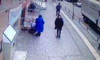 (Özel) Cami Kütüphanesinden Telefon Çalan Hırsızlar Kamerada