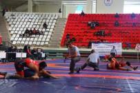 Türkiye Gençler Serbest Güreş Şampiyonası Başladı
